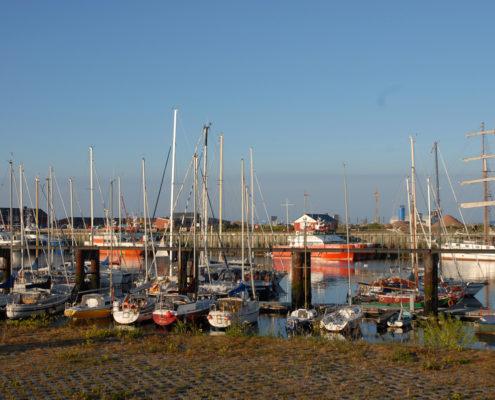 Helgoland Hafen Segelboote